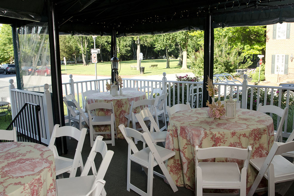 Kentlands Mansion Canopied Porch, photograph courtesy of L&E Photography